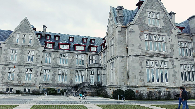 桑坦德国王度假的宫殿,建于悬崖上